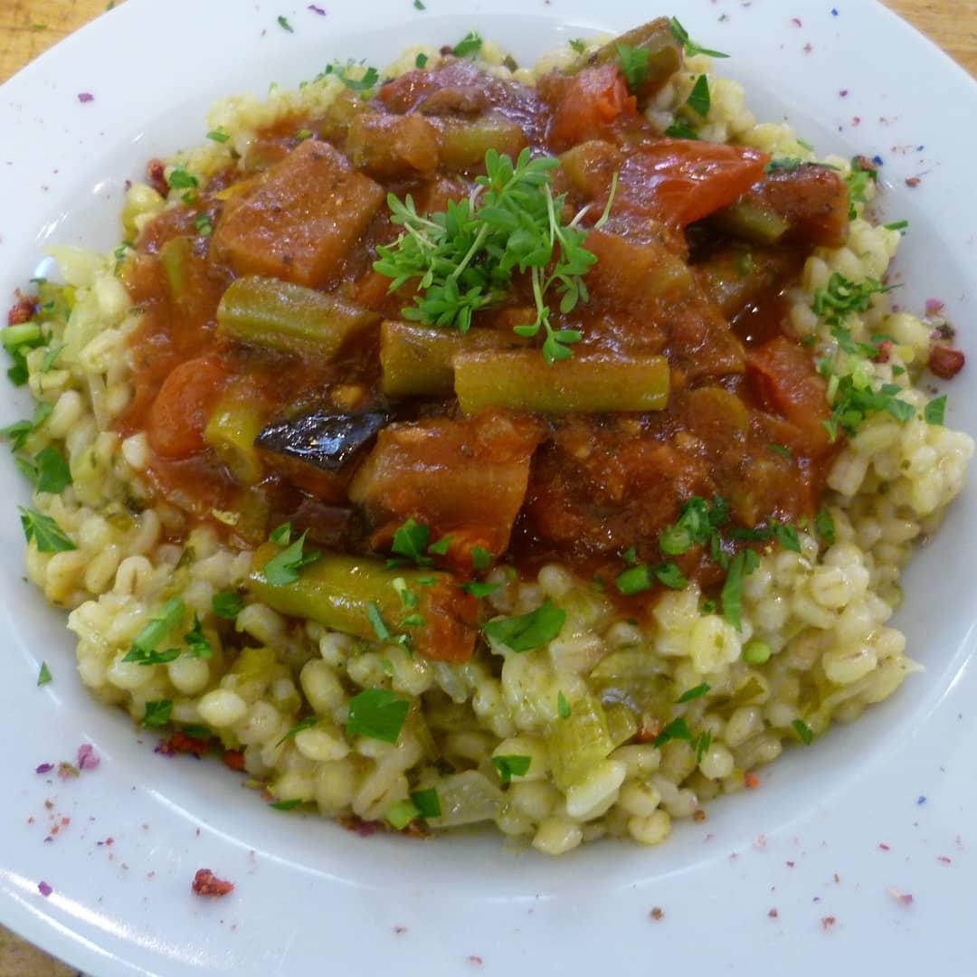 Graupen-Risotto Bohnen Ragout - Mittagstisch Mittagessen Biodelikat Bad Tölz